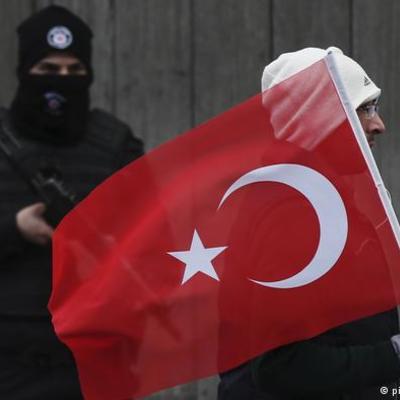 Подовжили режим надзвичайного стану у Туреччині