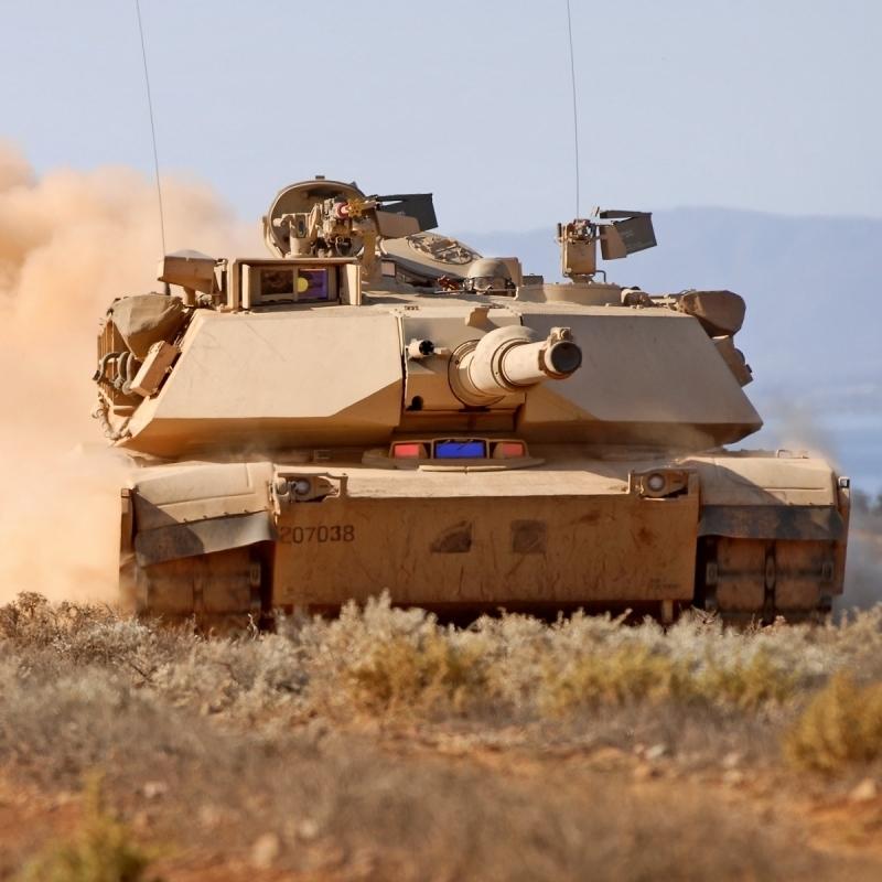 В Європу прибули сотні одиниць військової техніки США для стримування РФ (Фото)