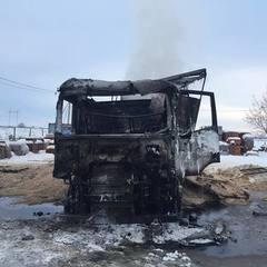 На Закарпатті вщент згоріла російська вантажівка (фото)