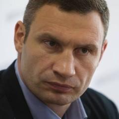 Кличко наказав до вівторка розчистити вулиці і тротуари Києва від снігу