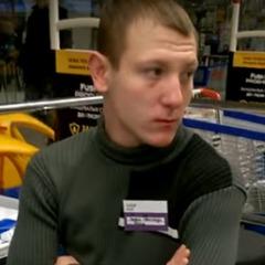 «Я спілкуюся тільки російською!», - Касир в київському ТЦ (Відео)