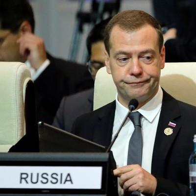 «Грошей немає»: Медведєв знову осоромився, розповідаючи про «складне» життя росіян (відео)