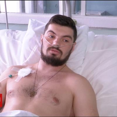 Лікарі врятували 25-річного бійця, який потрапив під мінометний обстріл біля Мар'їнки (відео)