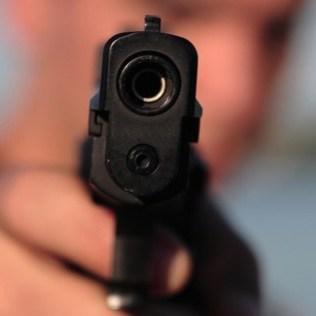 «Всім лягти на підлогу» - у Києві зі стріляниною пограбували поштове відділення