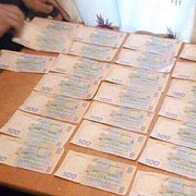 Трьох київських судових експертів затримали за хабар