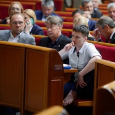 Рідна фракція стала на «захист» Савченко