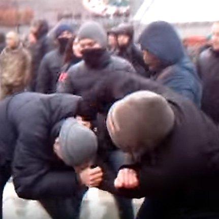 З'явилося відео сутичок націоналістів і поліції на Грушевського
