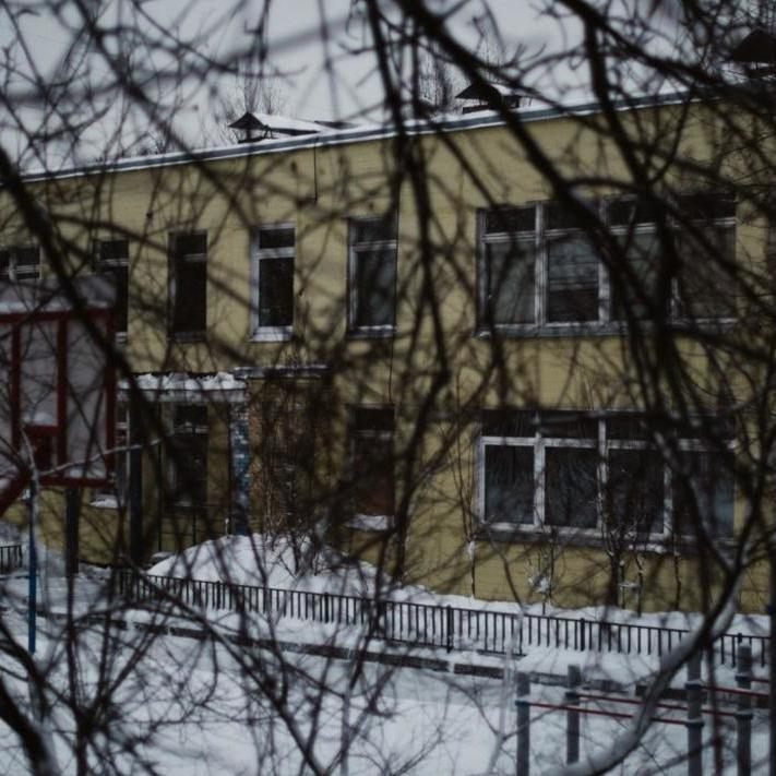 У московській школі директор та його заступник понад 20 років домагались учениць