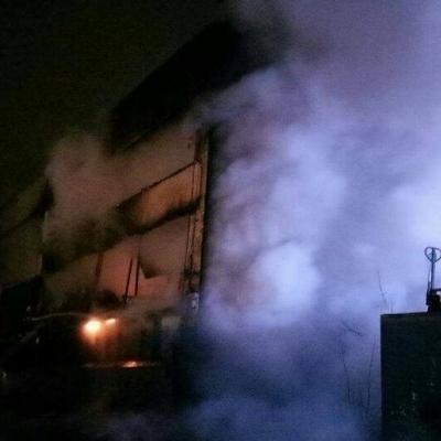 В Києві на складі спалахнула масштабна пожежа