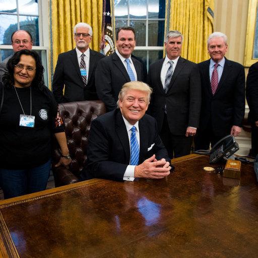 Трамп поділився першими враженнями від життя у Білому домі