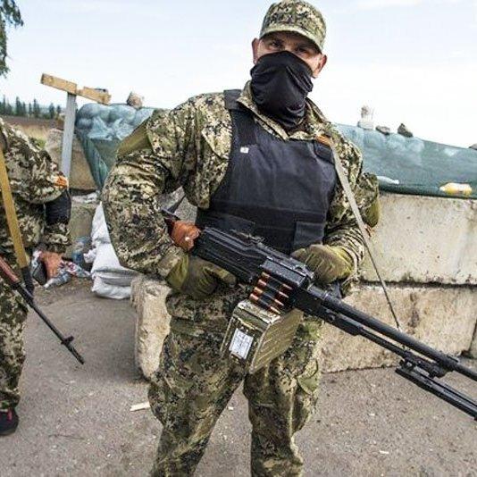 Родичі екс-глави «ДНР» тікають із України