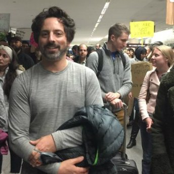 Я теж біженець, – засновник Google вийшов на мітинг проти указу Трампа