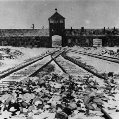 Дані почали збирати ще у 1982 році, - у Польщі опублікували архів із особистими даними про співробітників концтабору Аушвіц в Освенцемі