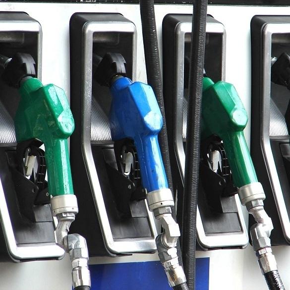 Найбільші оператори АЗС підвищили ціни на бензин і дизпаливо