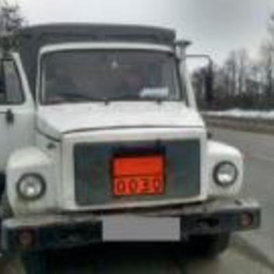 1,5 тонни вибухівки, - на Рівненщині поліція затримала вантажівку (фото)