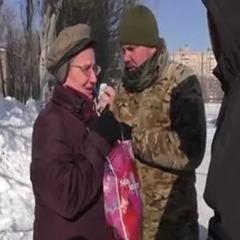 «Не здавайте Авдіївку. Тільки не йдіть, будь ласка», - мешканка Авдіївки закликала українських військових захистити місто (відео)