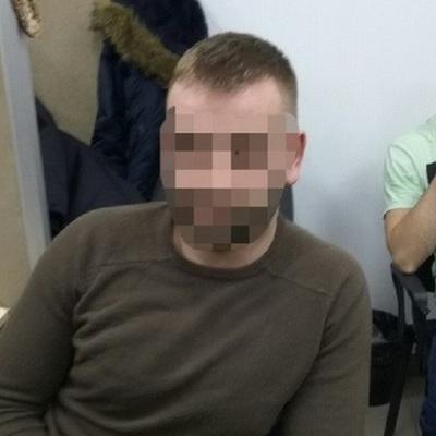 «Серійний анонім»:  поліція затримала чоловіка, який тероризував школи і дитсадки повідомленнями про мінування