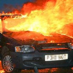 В центрі Луганська вибухнув автомобіль: з'явилось відео
