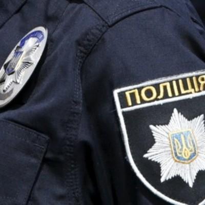 Невідомі перекрили рух автотранспорту на дорозі Донеччини
