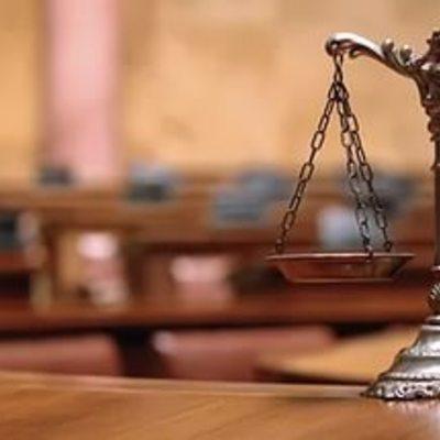 77-річний дідусь довів у суді, що живий (відео)