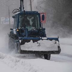 Дороги у Києві очищатимуть від снігу цілодобово