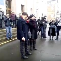 «Геть, зрадниця, агент Медведчука» - Савченко зустріли пікетом у Вінниці (відео)