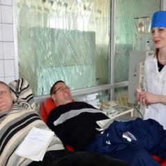 «Буду жити»: Дніпровські рятувальники здали кров для пораненого в Авдіївці Тритейкіна