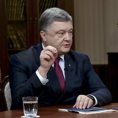 Президент України розповів, яким чином планують піднімати пенсії