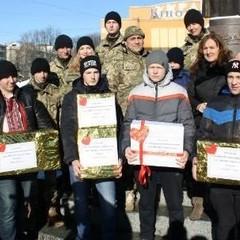 Дві тисячі «валентинок» відправили школярі Рівненщини на фронт