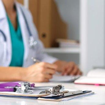 Медична реформа в Україні: як зміниться зарплата лікарів