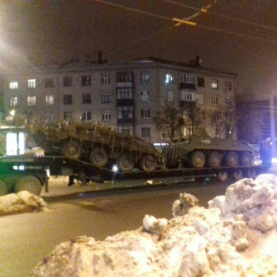 У Харкові сталося ДТП за участі військової техніки (фото)