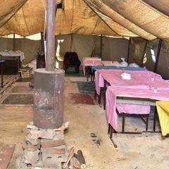 В Авдіївці жителі викликали поліцію, бо ледь не помирали із голоду (фото)