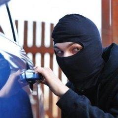 У Києві пограбували автомобіль нардепа
