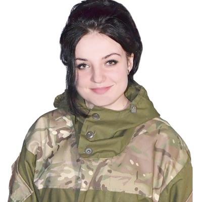 Армія - моє життя:  дівчину-медика, яка обороняла Авдіївку, нагородили орденом «За мужність»