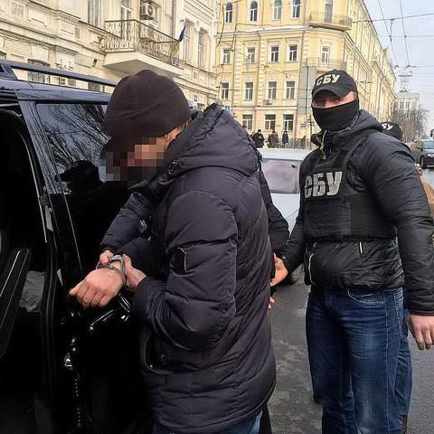 Поліцією був затриманий директор Фонду захисту інвалідів за величезну взятку
