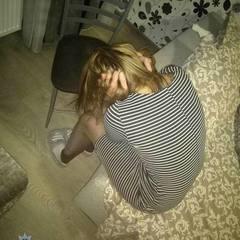 У Києві жінка зависла на висоті 25 поверху, зачепившись за поручні балкона