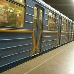 У столичному метро пасажири допомогли правоохоронцям затримати грабіжника