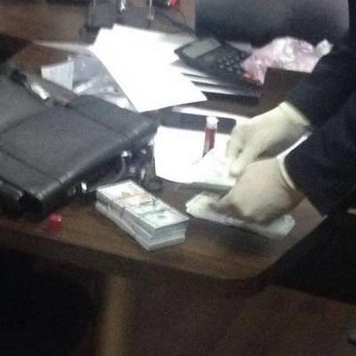 Підприємець здав правоохоронцям чиновників, які вимагали хабар