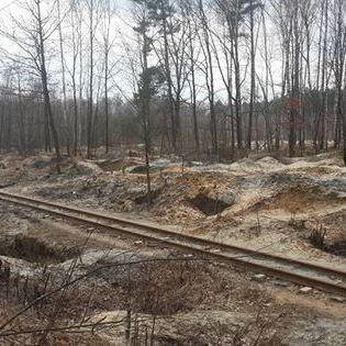 На Рівненщині пошкодженя залізничної колії викликано видобутком бурштину