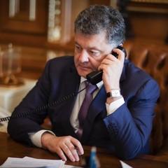 Порошенко двічі говорив із Путіним під час загострення