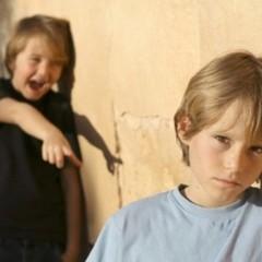 Цькування дитини у школі: куди звертатись?