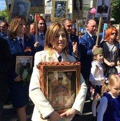 Поклонська повідомила, що дітей в Криму лікують, прикладаючи до грудей імператора Миколу  II ( Відео)