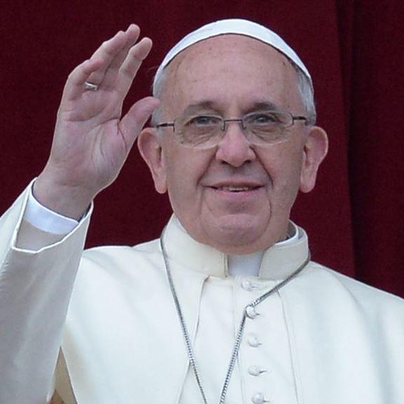 Папа Римський порадив використовувати Біблію як мобільний телефон