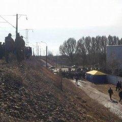 Блокувальники разом із нардепами у Конотопі зупиняють потяги із Росії (фото)