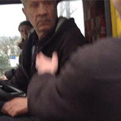 Радій, що ноги не поламані!: Водія, що обматюкав учасника АТО, облаяли у відповідь (відео)