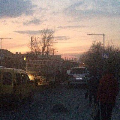 «Сміттєвий» скандал: Невдоволені мешканці Львова перекрили дорогу