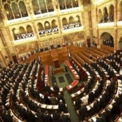 Антилюдський закон ухвалив парламент Угорщини (відео)
