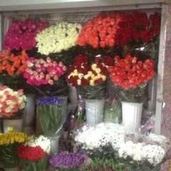 У Києві 15-річний хлопець пограбував квітковий кіоск, аби подарувати троянди коханій