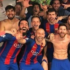 Через «Барселону» австрійські телеведучі зняли штани (відео)