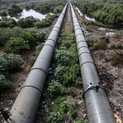 В Україну почали доставляти трубопроводом нафту із Азербайджану